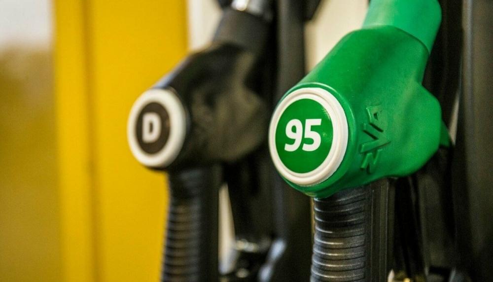 Бензин дорожает в России