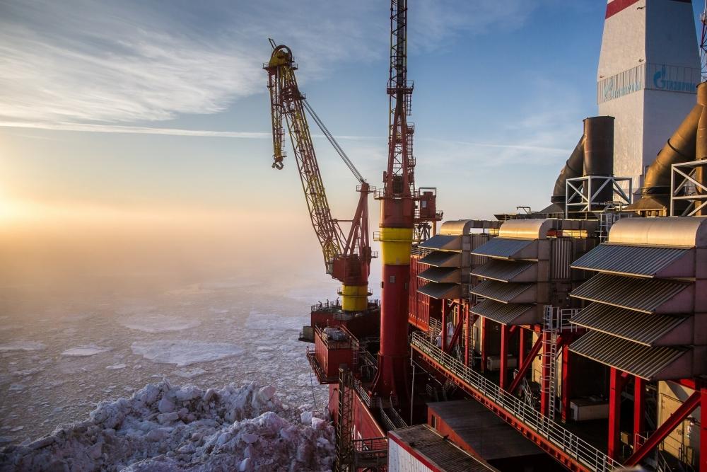 Стоимость нефти Urals к марту снизилась вдвое