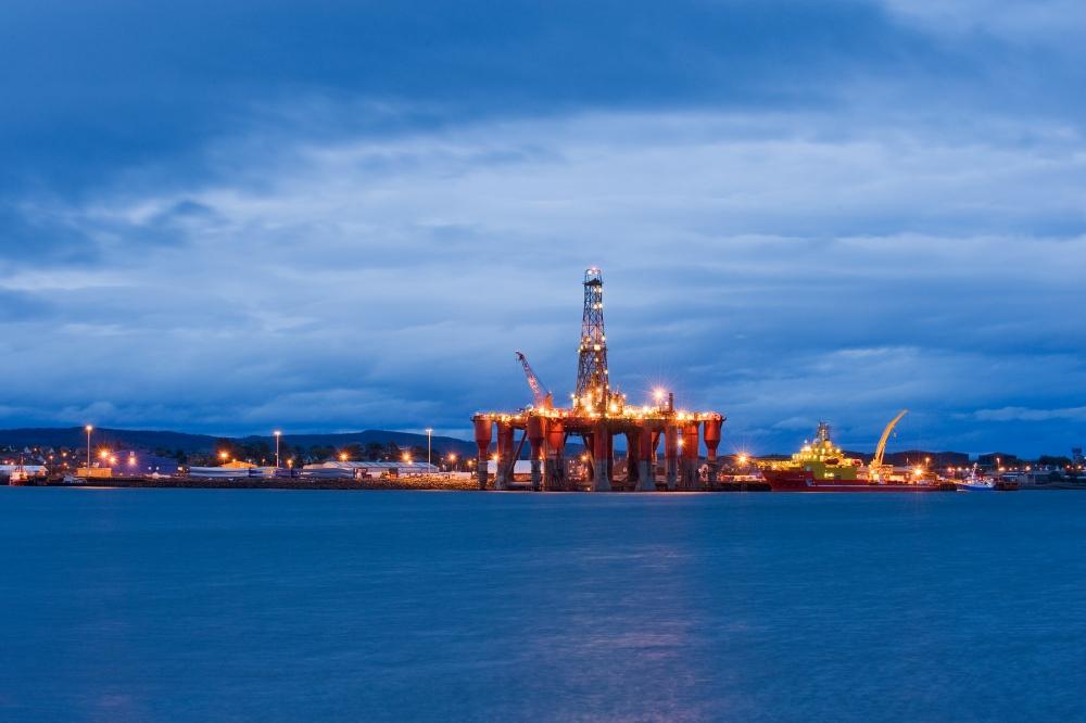 По прогнозам ВБ, нефть в 2015 году будет стоить 53$ за баррель
