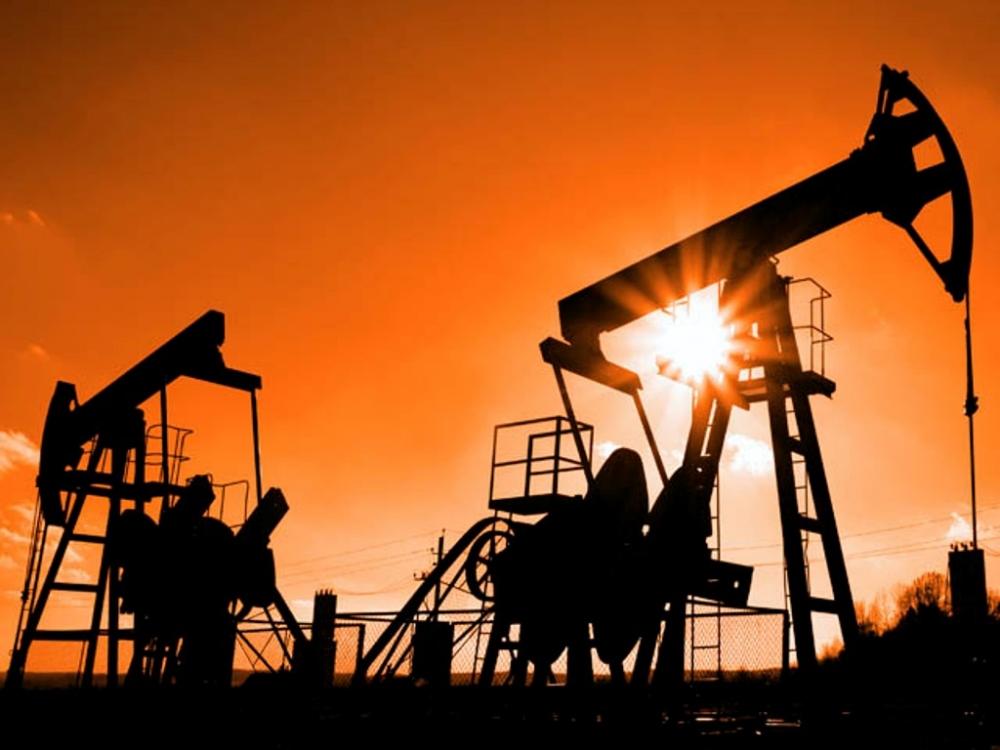 Мировые цены на черное золото упали на 6% на фоне увеличения американских запасов