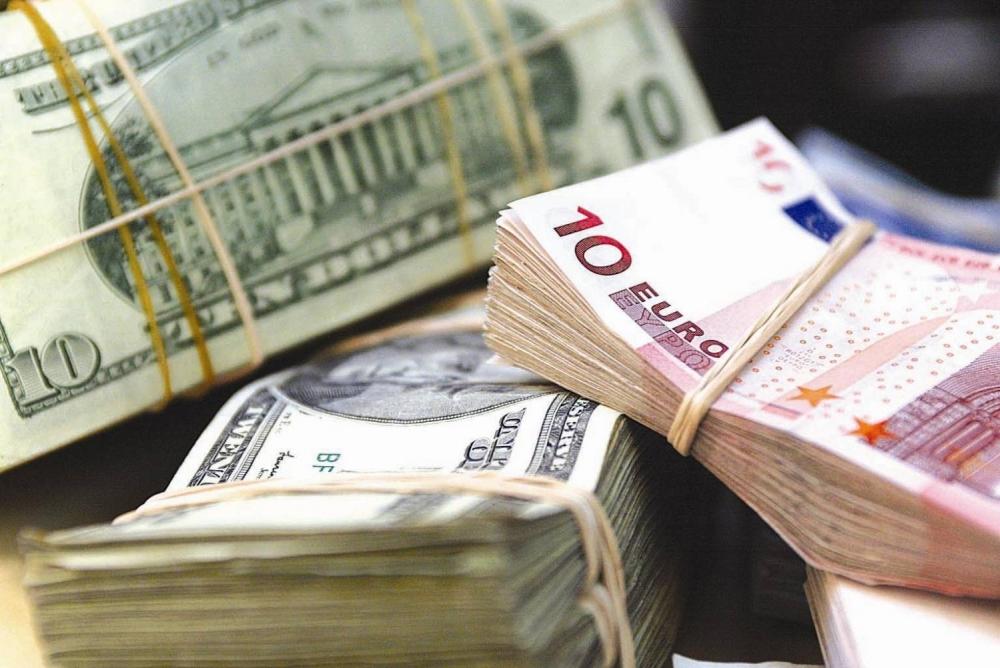 Рубль укрепился до уровня 2015 года
