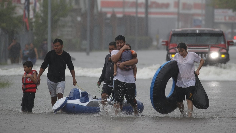 Ураган влияет на нефть