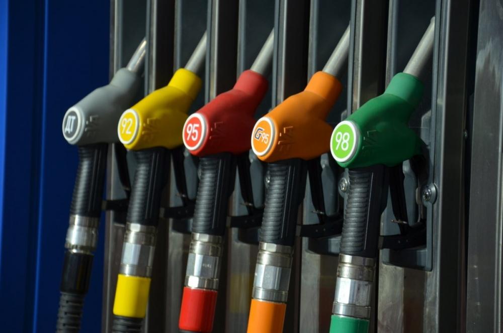 Почему растут цены на бензин?