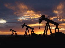 Добыча нефти в России снижается